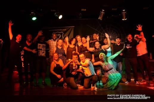 2016 - Festival Teia Cultural - Equipe que participou do encerramento do curso de agentes culturais na Casa azul em Contagem/MG