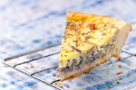 Milk and toast and honey - Placinta nemteasca cu ceapa
