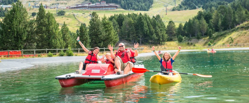 Families on lake, Grandvalira