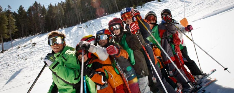 Ski instructor and class