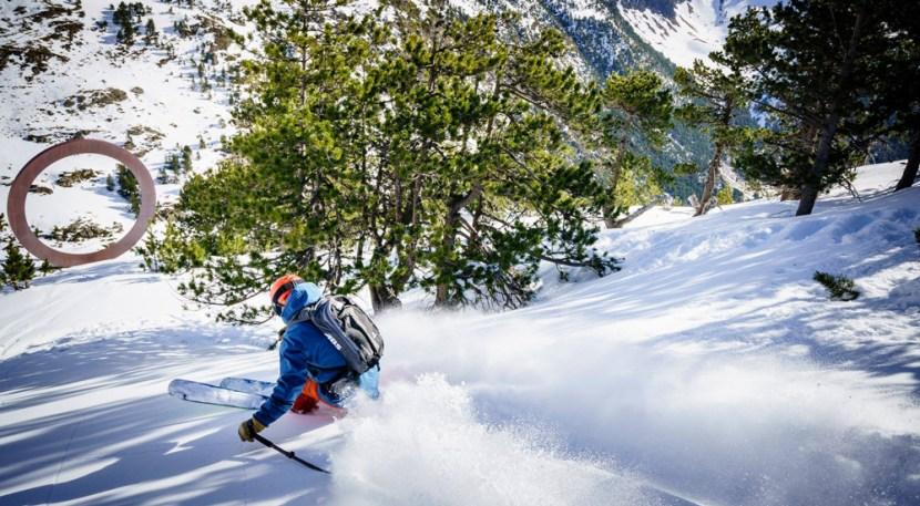 Man skiing in Arcalis