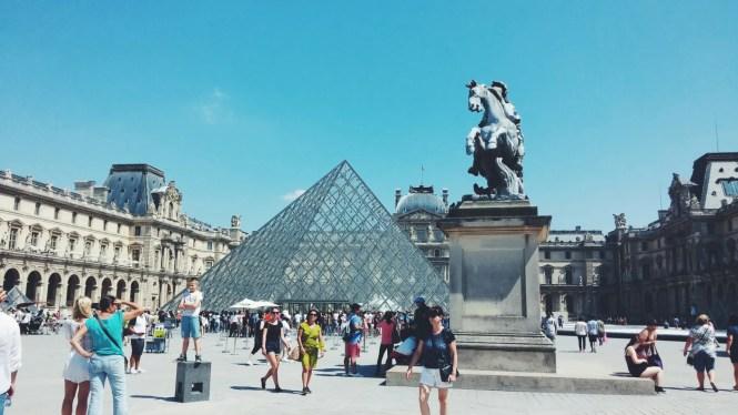 Parigi Piramide del Louvre