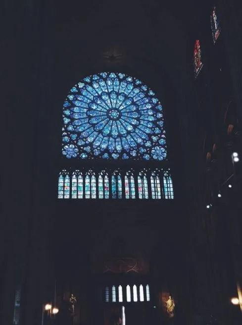 Rosone in vetro Notre Dame