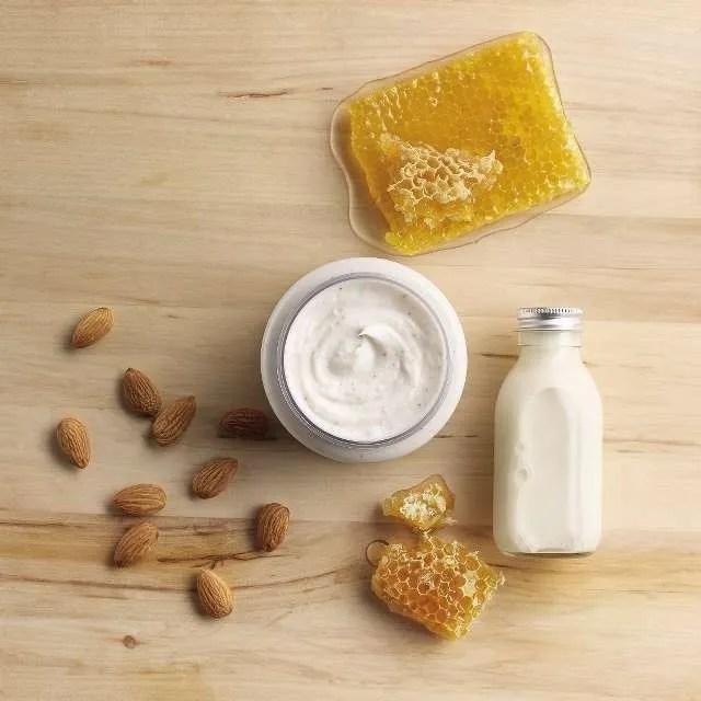 almond-milk-honey-gently-exfoliating-cream-scrub