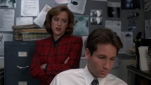 The X-Files-Jersey Devil - Mulder and Scully