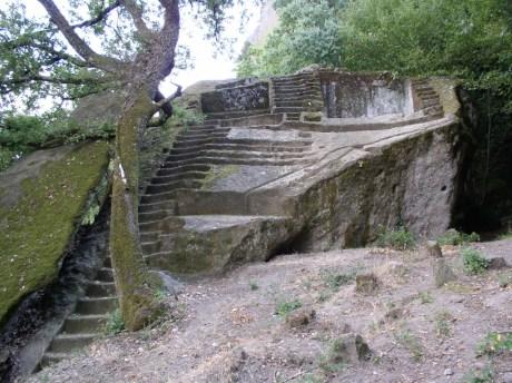 Piramide-Etrusca-Bomarzo