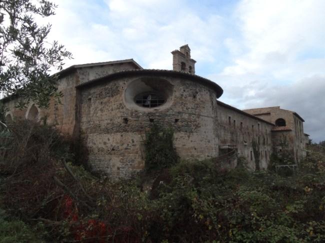 convento-abbandonato-01