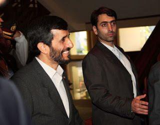Ahmadinejad contesta la favola dell'Olocausto