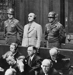 "Auschwitz: assistenza sanitaria, ""selezione"" e ""Sonderbehandlung"" dei detenuti immatricolati"