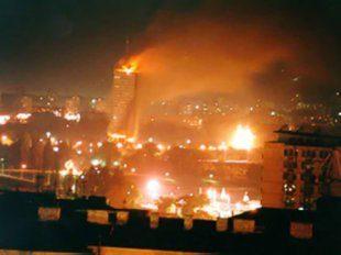 """Libia: bombardamenti per """" proteggere i civili!"""""""