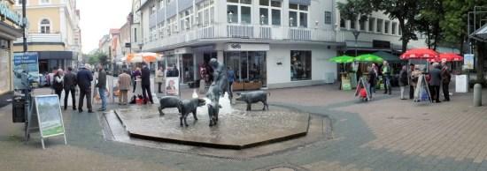 Die CDU, SPD und Grünen mit ihren Infoständen im Zentrum von Bad Oeynhausen