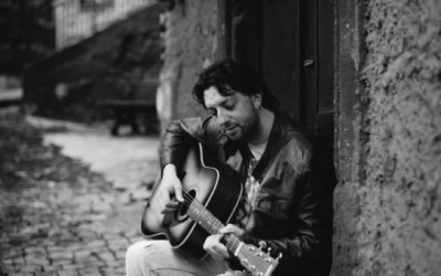Rieti, il chitarrista Andrea Salini lavora all'ultimo album, la sua voce arriva fino in Australia
