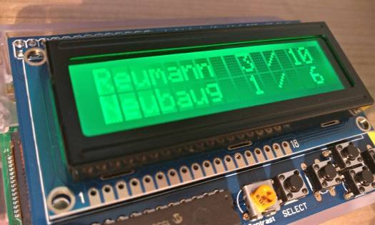 Raspberry Pi Public Transport Departure Monitor - Green: best time to leave!