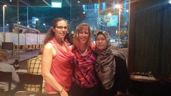 Meeting up with Sunita and Nora in Singapore