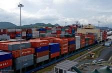 Груз в контейнерах наиболее часто переправляется через на канал. На втором месте - зерно.