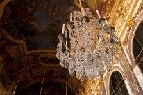 Хрустальная люстра в Зеркальной галерее. Королевский дворец.