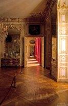 Роскошная череда комнат в Королевском дворце.