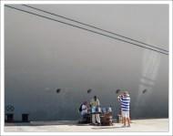 Возвращение пассажиров на борт круизного лайнера сопровождается музыкой.