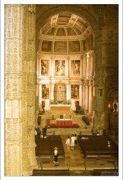Главный алтарь в церкви Св. Марии. Монастырь Жеронимуш.