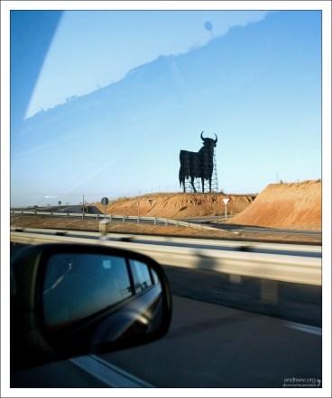 El Toro de Osborne - своеобразный символ страны.