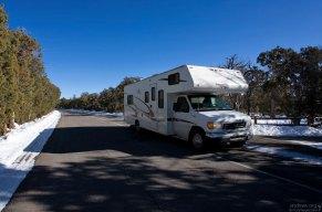 RV на круговой дороге Mesa Top Loop.