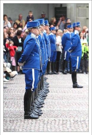 В шведской Королевской гвардии военнослужащие совсем не обязаны стоять «по струнке».