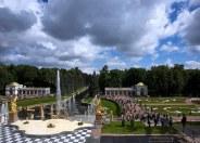 Большой каскад в Нижнем парке Петергофа.