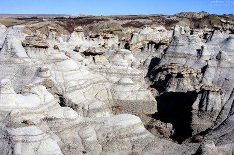 Тропа по дну каньона с худус.