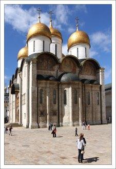Успенский собор - старейшее полностью сохранившееся здание Москвы.