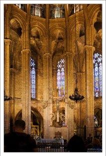 Капеллы в Соборе Святой Евлалии. La Catedral de la Santa Cruz y Santa Eulalia.