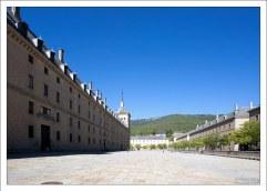 Монастырь Эскориал (El Escorial) - дворец и резиденция короля Испании Филиппа II.