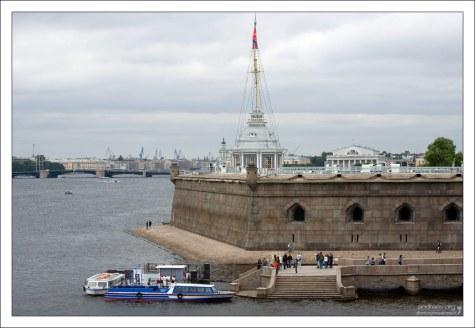 Флагшточная башня на Нарышкином бастионе Петропавловской крепости.