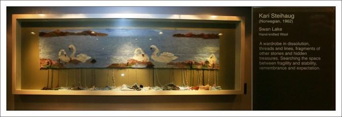 Вязаное лебединое озеро.