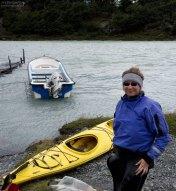 Проверка экипировки перед сплавом по реке Grey.