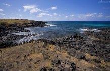 Вулканические берега острова.