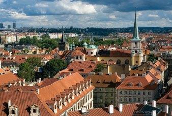 Крыши домов, видимые с высоты Града.