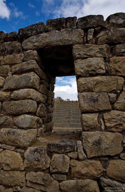 Окно в традиционном инкском стиле.