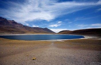 Сезонная Laguna Miñiques, полтора километра в диаметре.