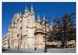Catedral de Sevilla, или собор Мария-де-ла-Седе.