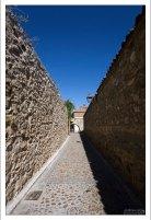 Средневековые крепостные стены вокруг города. Сеговия, Испания.