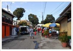 Популярная остановка среди туристов около залива Marigot Bay.