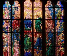 Витражи собора Св.Вита - самая современная деталь интерьера. Их завершали в 1929 г.