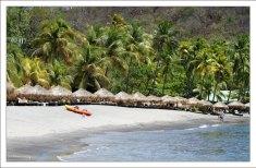 Один из лучших пляжей на Карибах - Ансе Частанет.