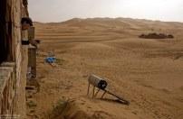 Попытка поймать спутниковый сигнал в песках.