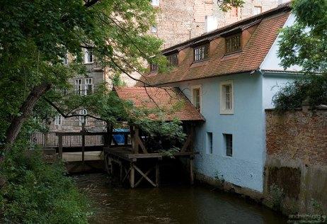 Проток Чертовка и водяная мельница Хуть (15-й век).