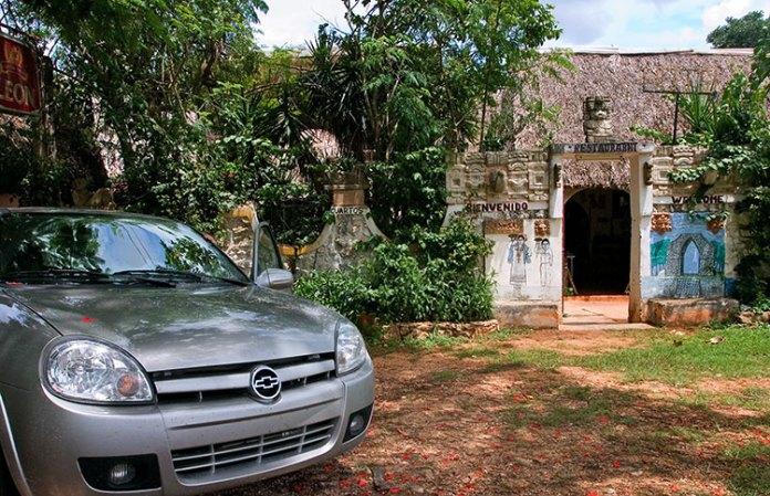 Шевроле в деревне Майя - Санта-Елене. Полуостров Юкатан.
