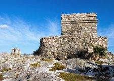 Руины в археологическом парке Тулум.