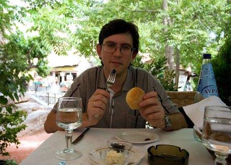 """В ресторане """"Дионисиос"""" рядом с гостиницей."""