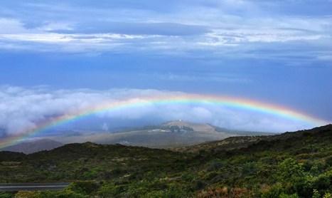 Радуга над поселением Kula. Дорога на вершину вулкана Халеакала.