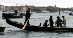 Traghetto - гондола-паром, пересекающая Гранд Канал только поперек.